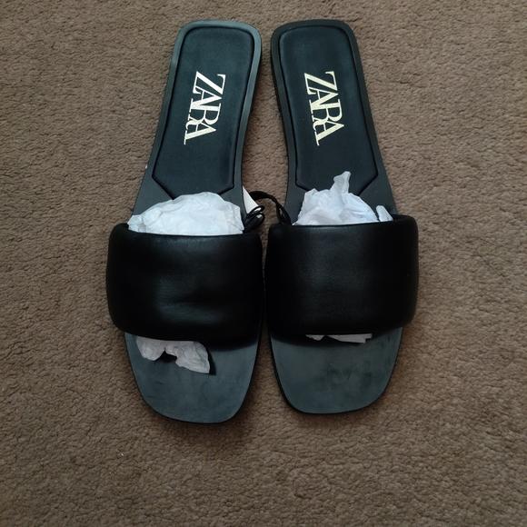 Zara flat padded leather sandal size 7.5